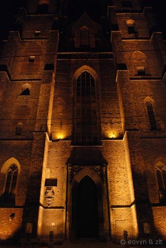 Mroczne wrota - kościół Jawnogrzesznicy